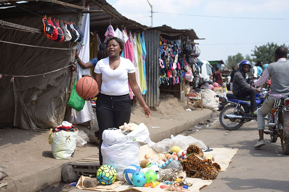 Clothes and Shoes in Malawi: Supporting the local economy