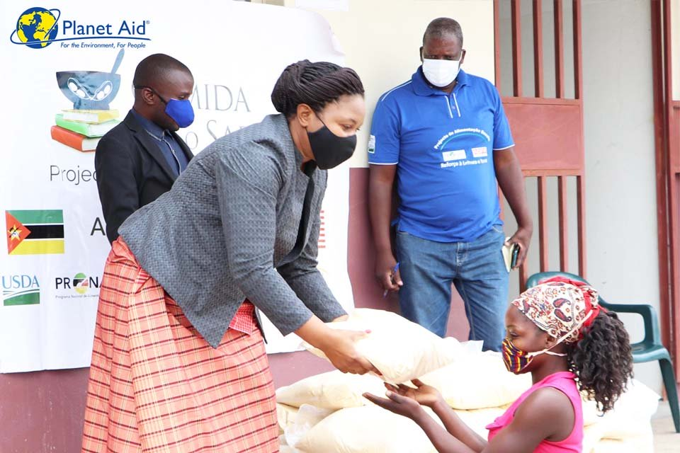 Over 90 000 children continue benefitting from school feeding during the COVID-19 pandemic